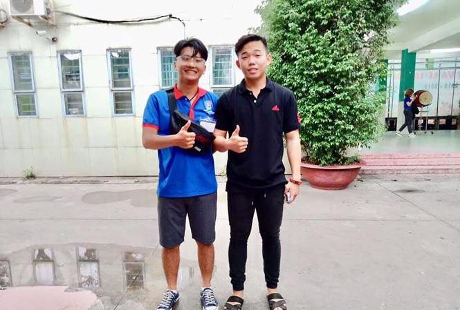 Thí sinh ở Sài Gòn suýt lỡ trường thi vì... mặc quần lửng - Ảnh 1.