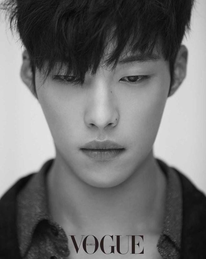 Ngán làm cameo bị gọi hồn trong Kí Sinh Trùng, Park Seo Joon làm mục sư điển trai 6 múi nhất màn ảnh Hàn - Ảnh 8.