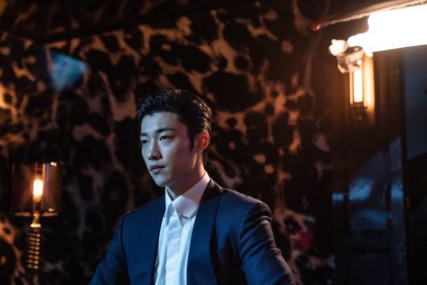 Ngán làm cameo bị gọi hồn trong Kí Sinh Trùng, Park Seo Joon làm mục sư điển trai 6 múi nhất màn ảnh Hàn - Ảnh 10.