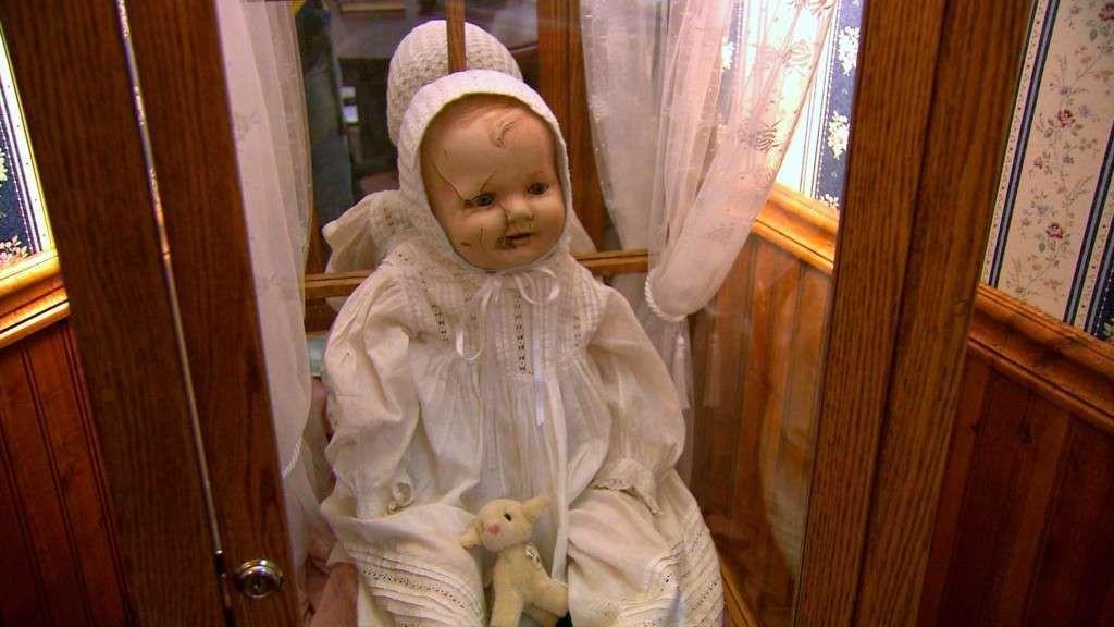 8 búp bê chị em của Annabelle này mà xuất hiện thì có là Mến ghe bẹo cũng thành trai thẳng - Ảnh 2.