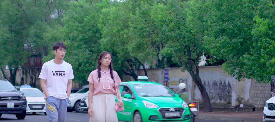 Sau khi làm thầy tu quên cạo đầu, Tuấn Trần tiếp tục tung trailer cho dự án mới 21 Ngày Bên Em - Ảnh 4.