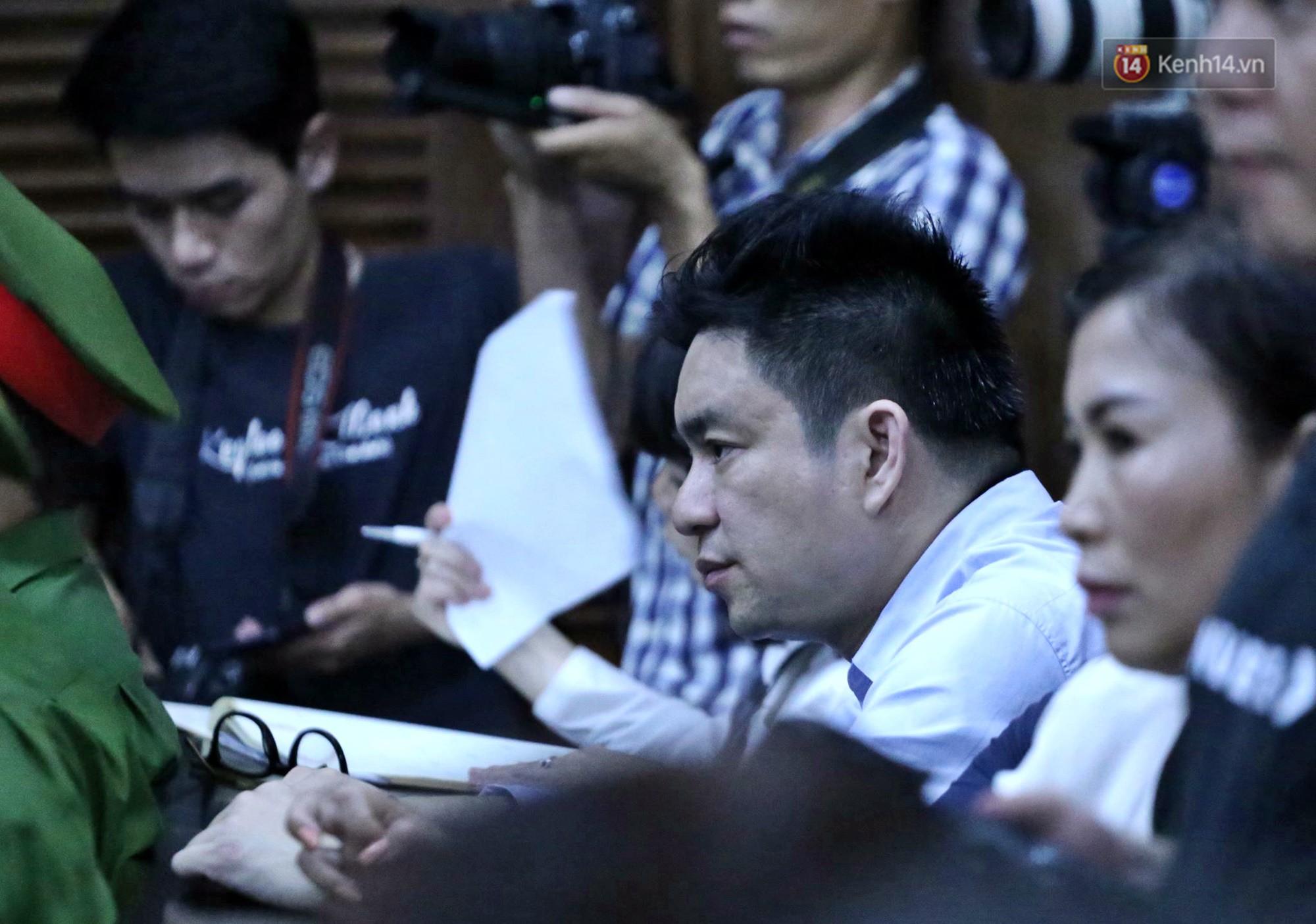 Ông Chiêm Quốc Thái nêu lý do kháng cáo dù đồng tình khi tòa tuyên án vợ cũ 18 tháng tù - Ảnh 1.