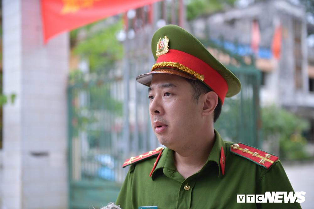 Đại úy công an hộ tống nữ sinh Hà Giang kịp giờ thi: Lúc tôi đến nhà, thí sinh còn đang ngủ - Ảnh 1.