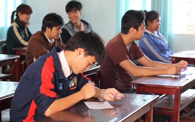 Lộ bảng điểm thi tốt nghiệp của dàn cầu thủ tuyển Việt Nam: Hồng Duy Pinky đội sổ nhưng người học giỏi nhất mới gây bất ngờ - Ảnh 2.