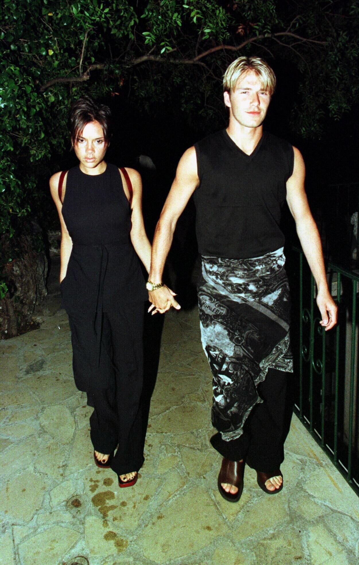 Mặc tin đồn ly dị đến vụng trộm, Beckham vẫn khiến cả thế giới ghen tỵ vì ưu ái vợ cử chỉ đặc biệt này suốt 20 năm - Ảnh 2.