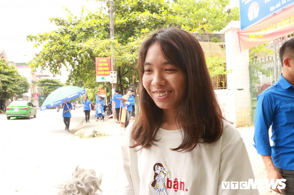 Đại úy công an hộ tống nữ sinh Hà Giang kịp giờ thi: Lúc tôi đến nhà, thí sinh còn đang ngủ - Ảnh 3.