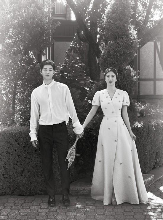 2 năm trước, Song Hye Kyo từng gây thổn thức vì hình ảnh hạnh phúc trong mẫu váy cưới đẹp như mơ - Ảnh 7.