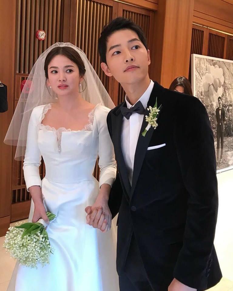 2 năm trước, Song Hye Kyo từng gây thổn thức vì hình ảnh hạnh phúc trong mẫu váy cưới đẹp như mơ - Ảnh 2.