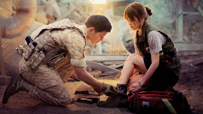 """Từng sống chết có nhau trong """"Hậu Duệ Mặt Trời"""", nay Song Hye Kyo - Song Joong Ki đã thành """"người dưng ngược lối"""" - Ảnh 14."""