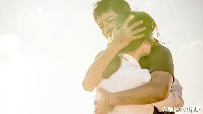 """Từng sống chết có nhau trong """"Hậu Duệ Mặt Trời"""", nay Song Hye Kyo - Song Joong Ki đã thành """"người dưng ngược lối"""" - Ảnh 6."""