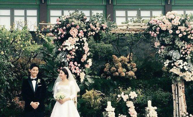 Nhìn lại siêu đám cưới ở khách sạn The Shilla sang chảnh bậc nhất Seoul này mà giờ càng thêm xót xa khi Song Joong Ki đệ đơn ly dị Song Hye Kyo - Ảnh 18.