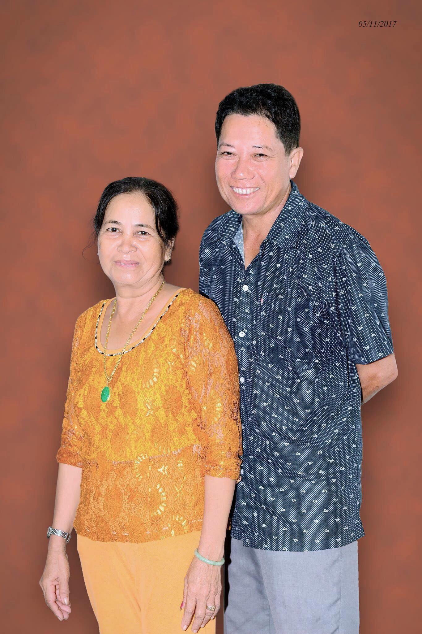 Bộ ảnh bình dị của cặp vợ chồng sau 40 năm bên nhau đốn tim cộng đồng mạng: Nụ cười của ba mẹ luôn đẹp nhất dưới ống kính của con - Ảnh 8.