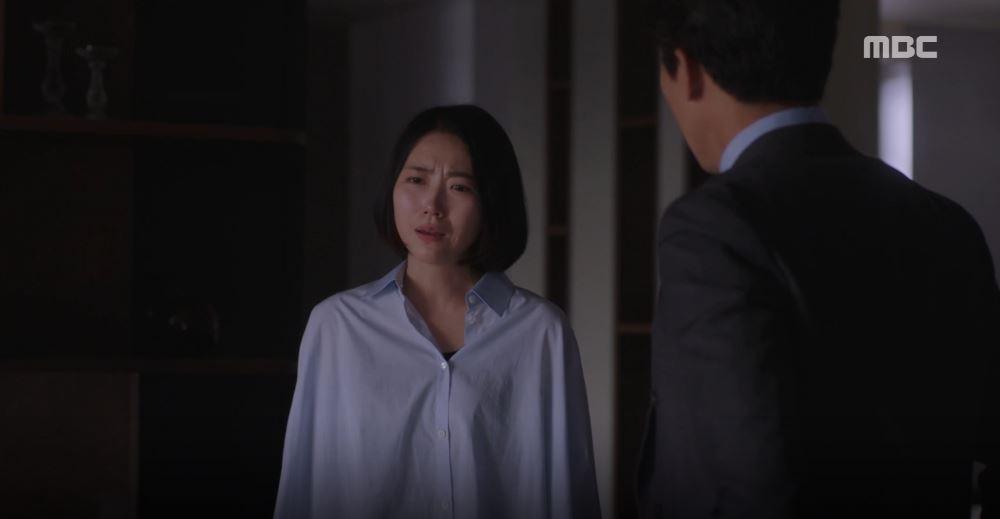 Han Ji Min đánh dấu chủ quyền lên crush Jung Hae In bằng cảnh giường chiếu trong Đêm Xuân tập 12 - Ảnh 6.