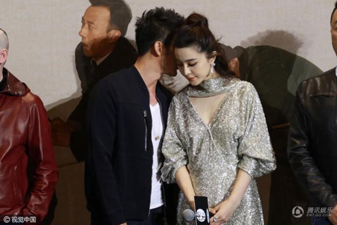 """Phạm Băng Băng – Lý Thần chia tay: Netizen tiếc nuối với loạt đồ đôi """"tình như cái bình"""" - Ảnh 14."""