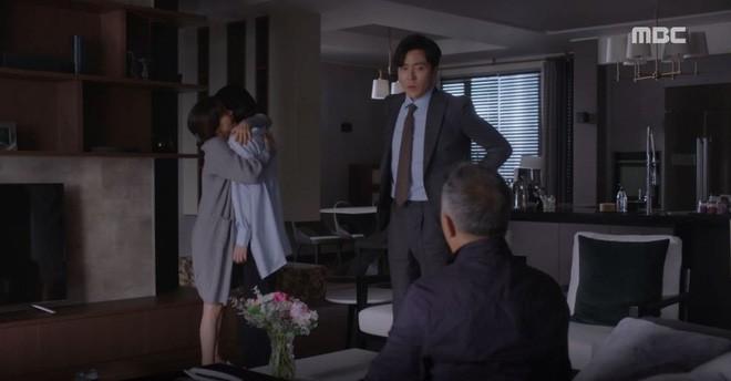Han Ji Min đánh dấu chủ quyền lên crush Jung Hae In bằng cảnh giường chiếu trong Đêm Xuân tập 12 - Ảnh 7.