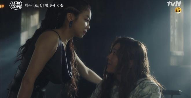 Chuyện tình Song Joong Ki trong Niên Sử Kí Arthdal nhọ không kém: Người thương bị giết hại, tiểu tam tin đồn đời thực hóa mẹ trẻ nuôi anh từ tấm bé! - Ảnh 7.