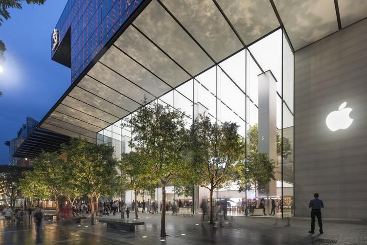 Chất lừ với Apple Store thứ 2 ở Singapore: Đặt ở sân bay mà cứ ngỡ lạc vào rừng tiên trong phim ảnh - Ảnh 1.