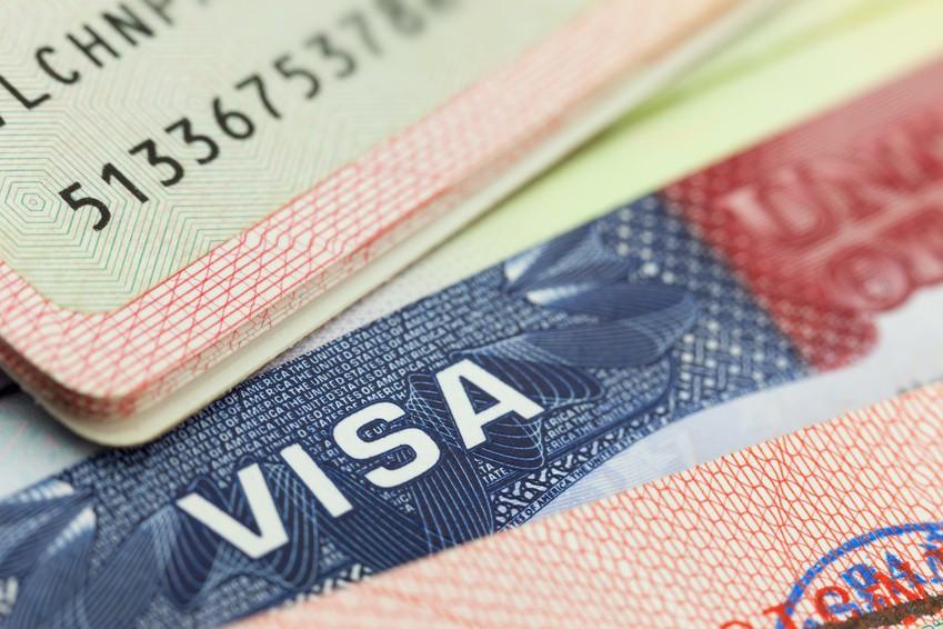 HOT: Từ tháng 6, xin visa vào Mỹ sẽ phải khai báo tài khoản Facebook, Twitter chính xác nếu không sẽ bị phạt nặng - Ảnh 2.