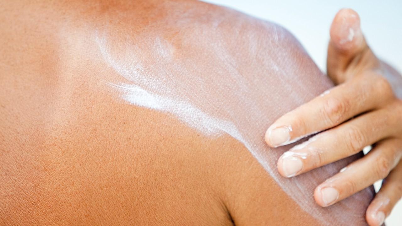 Oxybenzone trong kem chống nắng có độc hại và chúng ta có nên ngưng sử dụng kem chống nắng vì nó? - Ảnh 4.