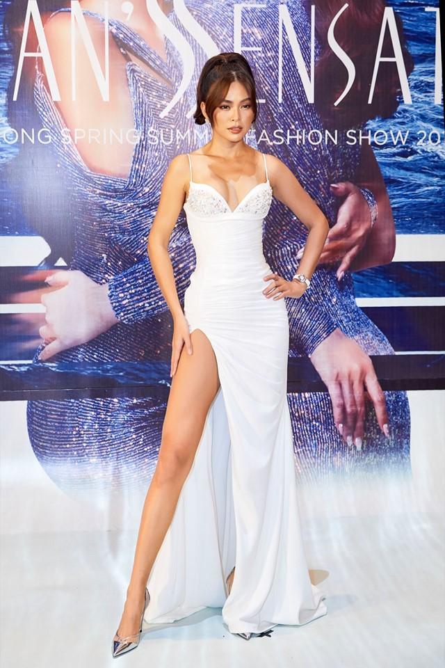 Diện váy áo xinh đẹp đi sự kiện, Mâu Thủy bị soi ngực bên to bên nhỏ, cách xa nhau như một vòng trái đất - Ảnh 4.
