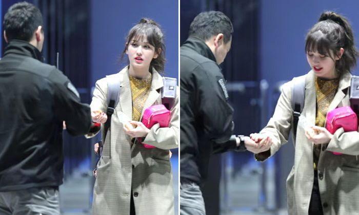 Những màn tương tác ngọt đến sâu răng của idol Kpop và vệ sĩ gây bão: Đúng là công việc trong mơ của mọi fangirl! - Ảnh 20.