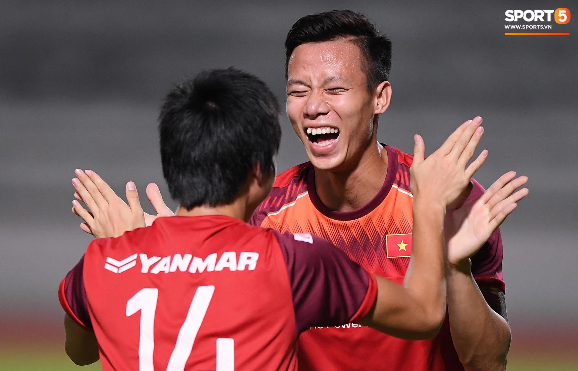 Xuân Trường táng Đức Huy không trượt phát nào trong buổi tập trước trận gặp Thái Lan - Ảnh 5.