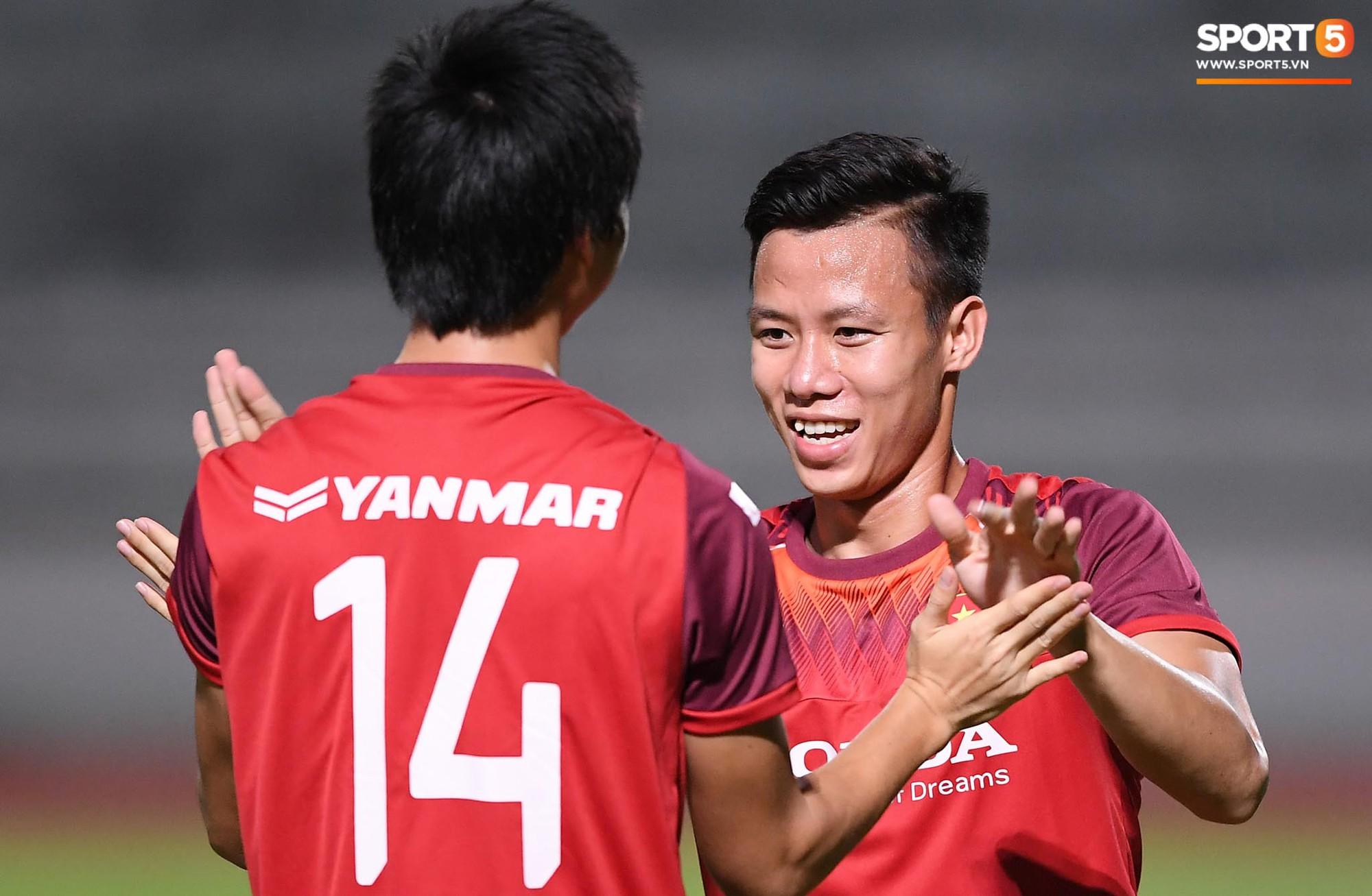 Xuân Trường táng Đức Huy không trượt phát nào trong buổi tập trước trận gặp Thái Lan - Ảnh 4.