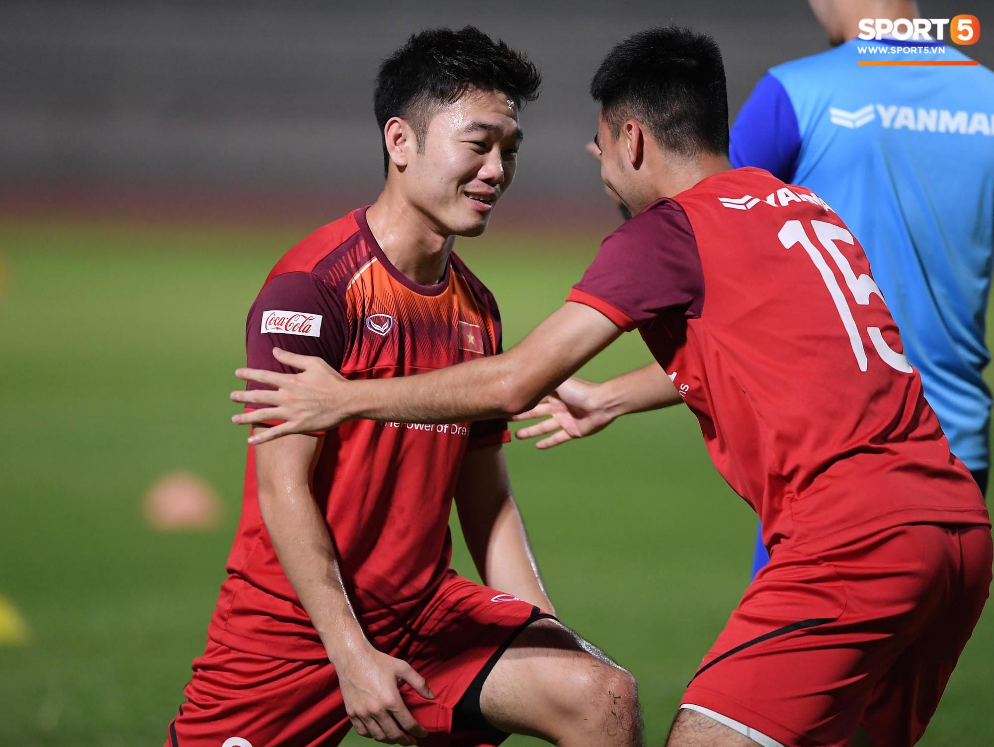 Xuân Trường táng Đức Huy không trượt phát nào trong buổi tập trước trận gặp Thái Lan - Ảnh 1.