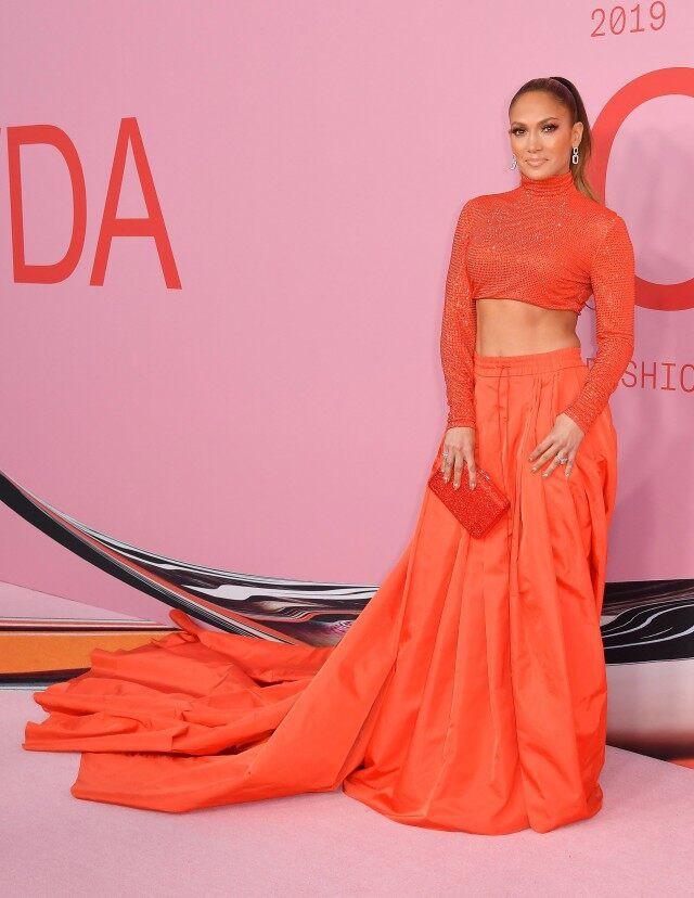 Thảm hồng gây nổ Hollywood: Dàn thiên thần Victorias Secret thế hệ mới đọ sắc lồng lộn nhưng bị Jennifer Lopez đè bẹp - Ảnh 1.