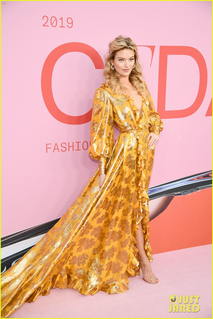 Thảm hồng gây nổ Hollywood: Dàn thiên thần Victorias Secret thế hệ mới đọ sắc lồng lộn nhưng bị Jennifer Lopez đè bẹp - Ảnh 11.