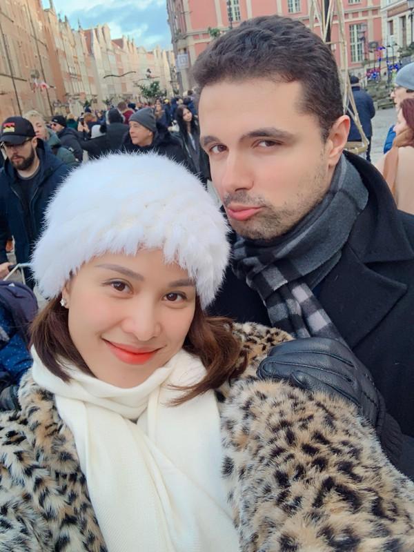 Hé lộ gia thế khủng của chồng Tây siêu mẫu Phương Mai: Giám đốc tập đoàn tư vấn tài chính nổi tiếng, điển trai, sống xa hoa - Ảnh 1.