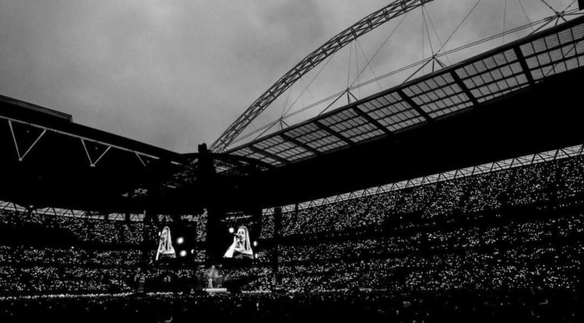 Đừng lo nghĩ về việc BTS hay Taylor Swift sold-out Wembley nữa, đây mới là chúa tể thực sự của thánh địa này! - Ảnh 2.