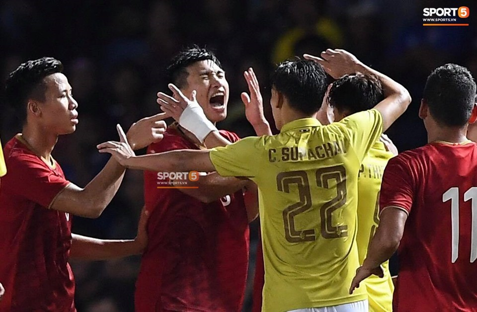 Báo thể thao lớn nhất Thái Lan cay đắng: Trận thua gây sốc cả dân tộc! Việt Nam đã làm chúng ta tan nát ngay tại Kings Cup - Ảnh 1.