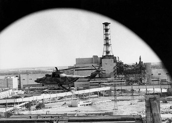 Những bức ảnh hơn vạn lời nói cho thấy mức độ khủng khiếp của thảm họa hạt nhân Chernobyl: Vùng đất chết chóc bao giờ mới hồi sinh? - Ảnh 2.