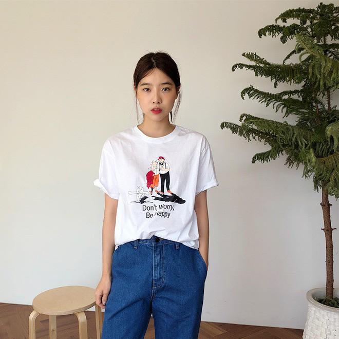 2 kiểu áo phông đơn giản, mặc lên dễ đẹp để các nàng luôn trẻ trung trong mắt đồng nghiệp - Ảnh 1.