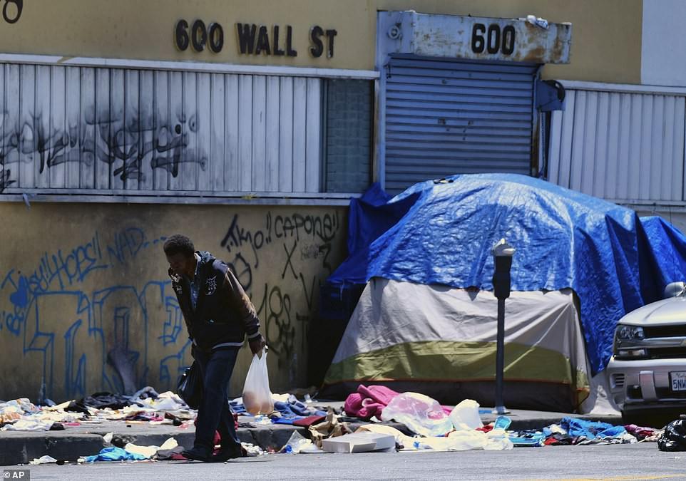 Chùm ảnh: Toàn cảnh thành phố Los Angeles hiện đại văn minh đã bị mất quyền kiểm soát vào tay... rác thải và chuột - Ảnh 3.