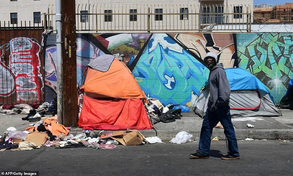 Chùm ảnh: Toàn cảnh thành phố Los Angeles hiện đại văn minh đã bị mất quyền kiểm soát vào tay... rác thải và chuột - Ảnh 4.