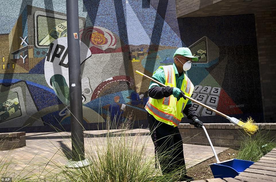 Chùm ảnh: Toàn cảnh thành phố Los Angeles hiện đại văn minh đã bị mất quyền kiểm soát vào tay... rác thải và chuột - Ảnh 5.