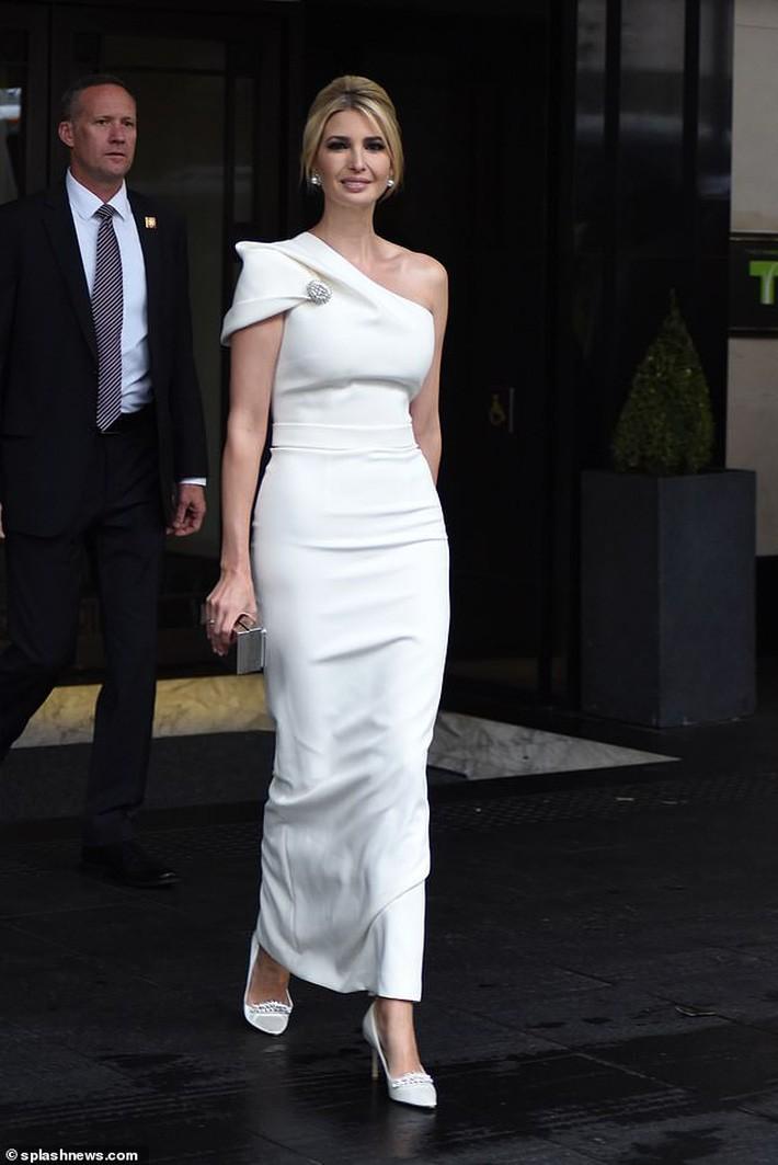 Lấn át cả công nương Kate và xa xỉ không thua mẹ kế, ái nữ nhà Trump khiến dân tình hết lời khen ngợi trước gu thời trang tinh tế - Ảnh 5.