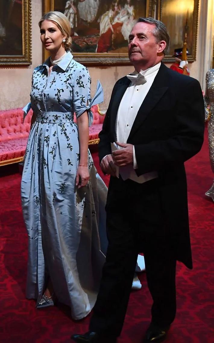 Lấn át cả công nương Kate và xa xỉ không thua mẹ kế, ái nữ nhà Trump khiến dân tình hết lời khen ngợi trước gu thời trang tinh tế - Ảnh 8.