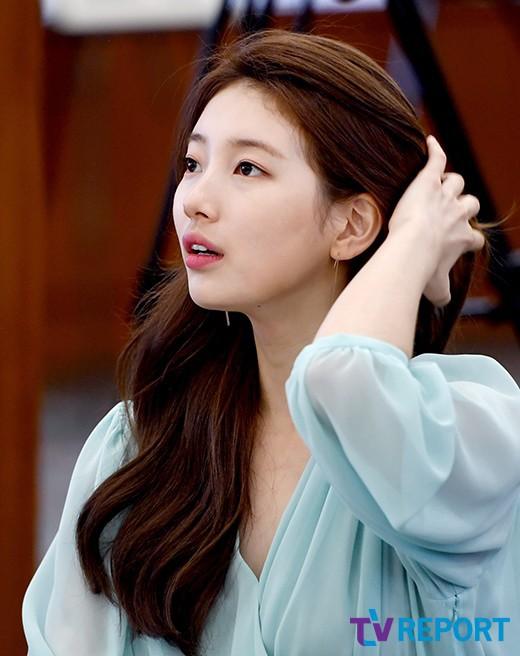 Màn đụng hàng chan chát giữa 2 nàng bạn gái cũ Lee Min Ho: Suzy xinh lắm nhưng quá khiêm tốn so với Park Min Young - Ảnh 3.