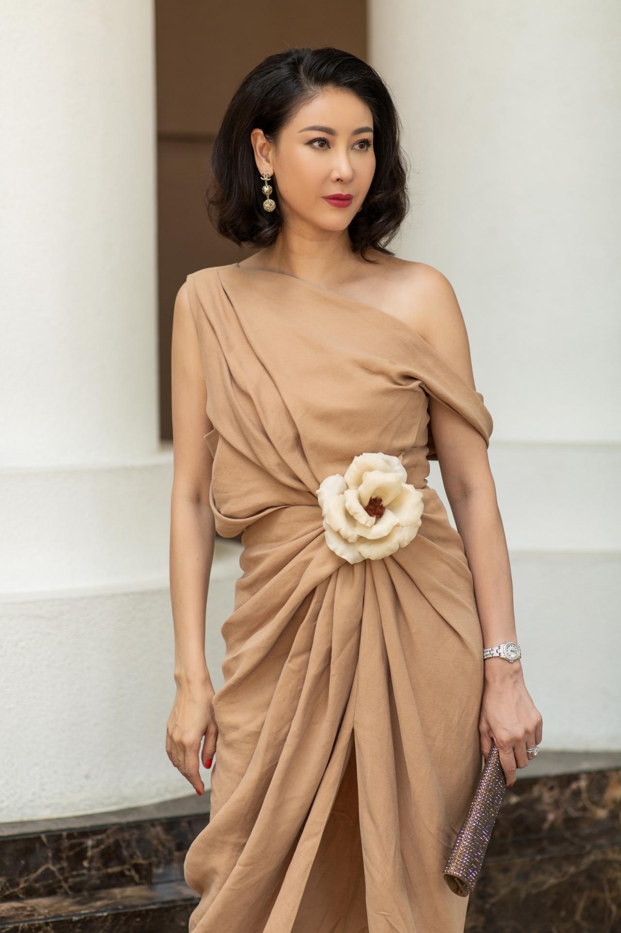 Đỉnh cao nhan sắc dàn Hoa hậu U40, U50 của Vbiz: Đăng quang cả thập kỷ vẫn giữ trọn vẻ đẹp như thời thanh xuân - Ảnh 2.