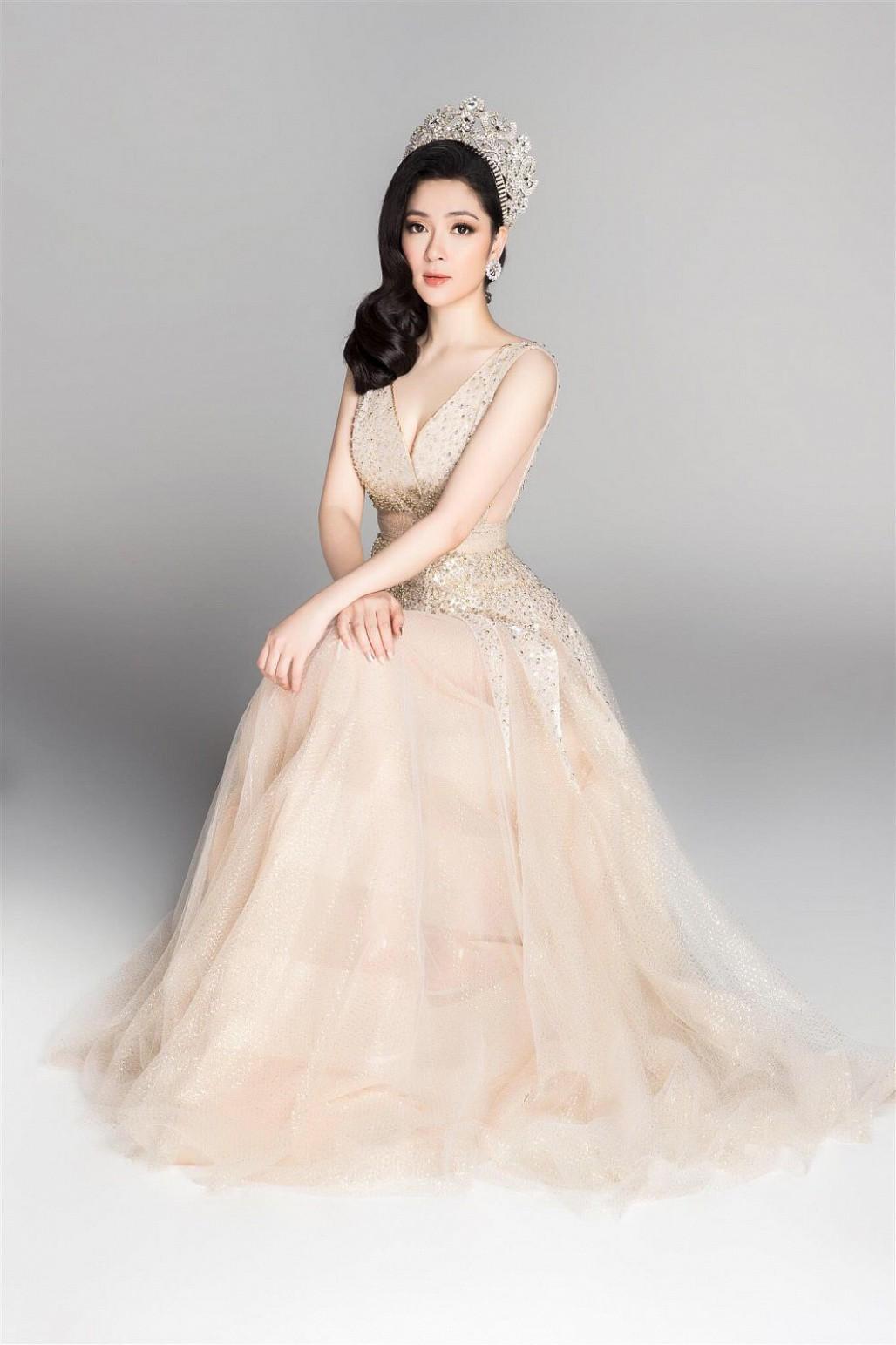 Đỉnh cao nhan sắc dàn Hoa hậu U40, U50 của Vbiz: Đăng quang cả thập kỷ vẫn giữ trọn vẻ đẹp như thời thanh xuân - Ảnh 10.