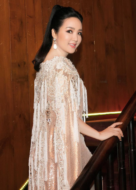 Đỉnh cao nhan sắc dàn Hoa hậu U40, U50 của Vbiz: Đăng quang cả thập kỷ vẫn giữ trọn vẻ đẹp như thời thanh xuân - Ảnh 6.