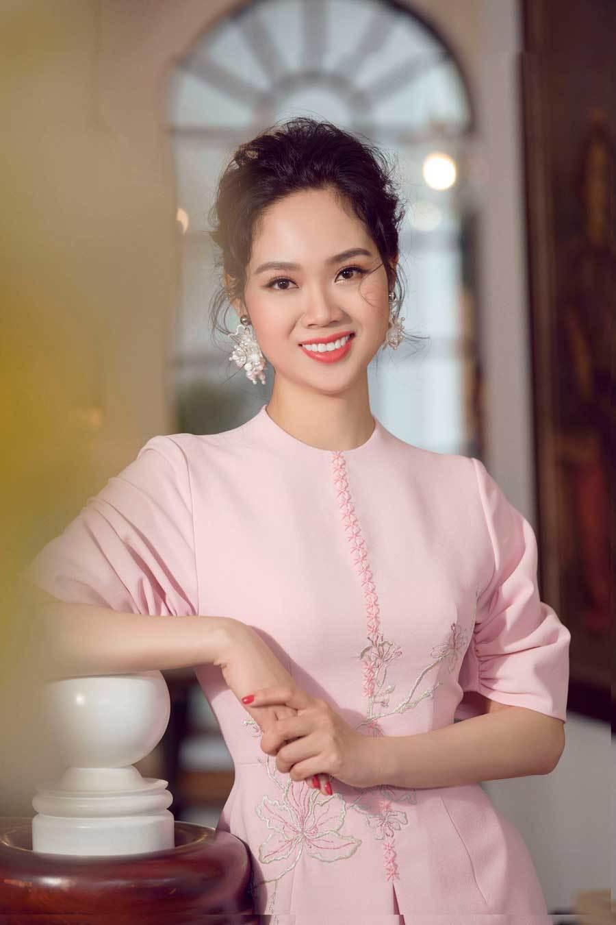 Đỉnh cao nhan sắc dàn Hoa hậu U40, U50 của Vbiz: Đăng quang cả thập kỷ vẫn giữ trọn vẻ đẹp như thời thanh xuân - Ảnh 14.
