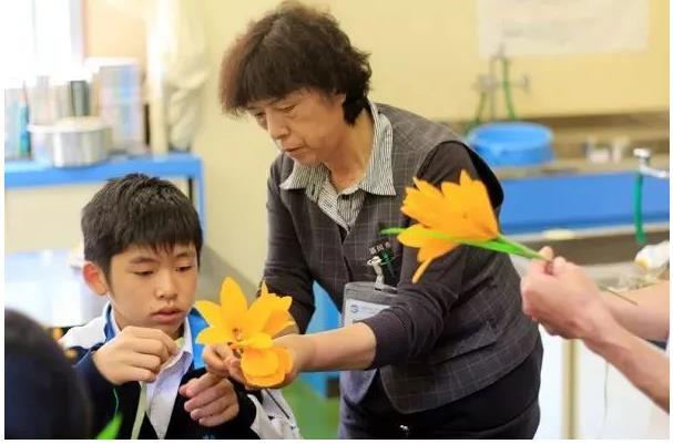 Trường học cô đơn nhất Nhật Bản: Mở cửa chỉ để đón 1 nam sinh, ngày cậu ấy tốt nghiệp trường cũng đóng cửa luôn - Ảnh 2.