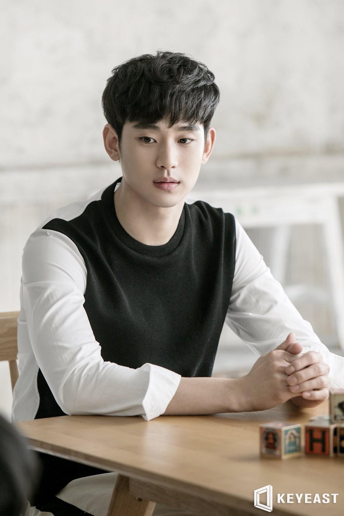Biệt tích khỏi màn ảnh vì nhập ngũ, ví tiền của trai đẹp ngoài hành tinh Kim Soo Hyun vẫn siêu to khổng lồ nhờ điều này - Ảnh 3.