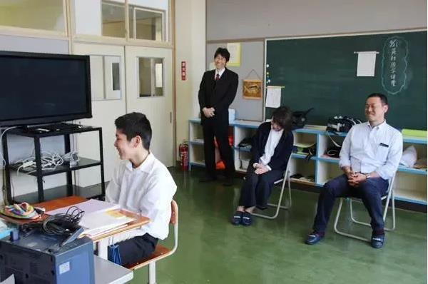 Trường học cô đơn nhất Nhật Bản: Mở cửa chỉ để đón 1 nam sinh, ngày cậu ấy tốt nghiệp trường cũng đóng cửa luôn - Ảnh 7.
