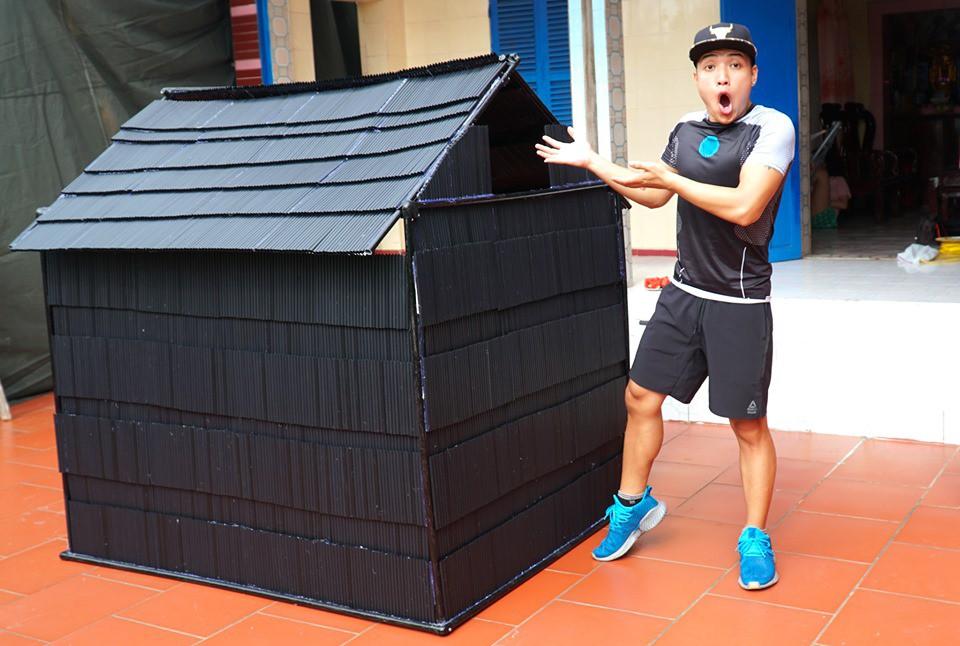 Vlogger đặt mua 5.000 ống hút để làm nhà khổng lồ câu view, cộng đồng bức xúc: Số lượng nhựa này sẽ đi về đâu? - Ảnh 1.