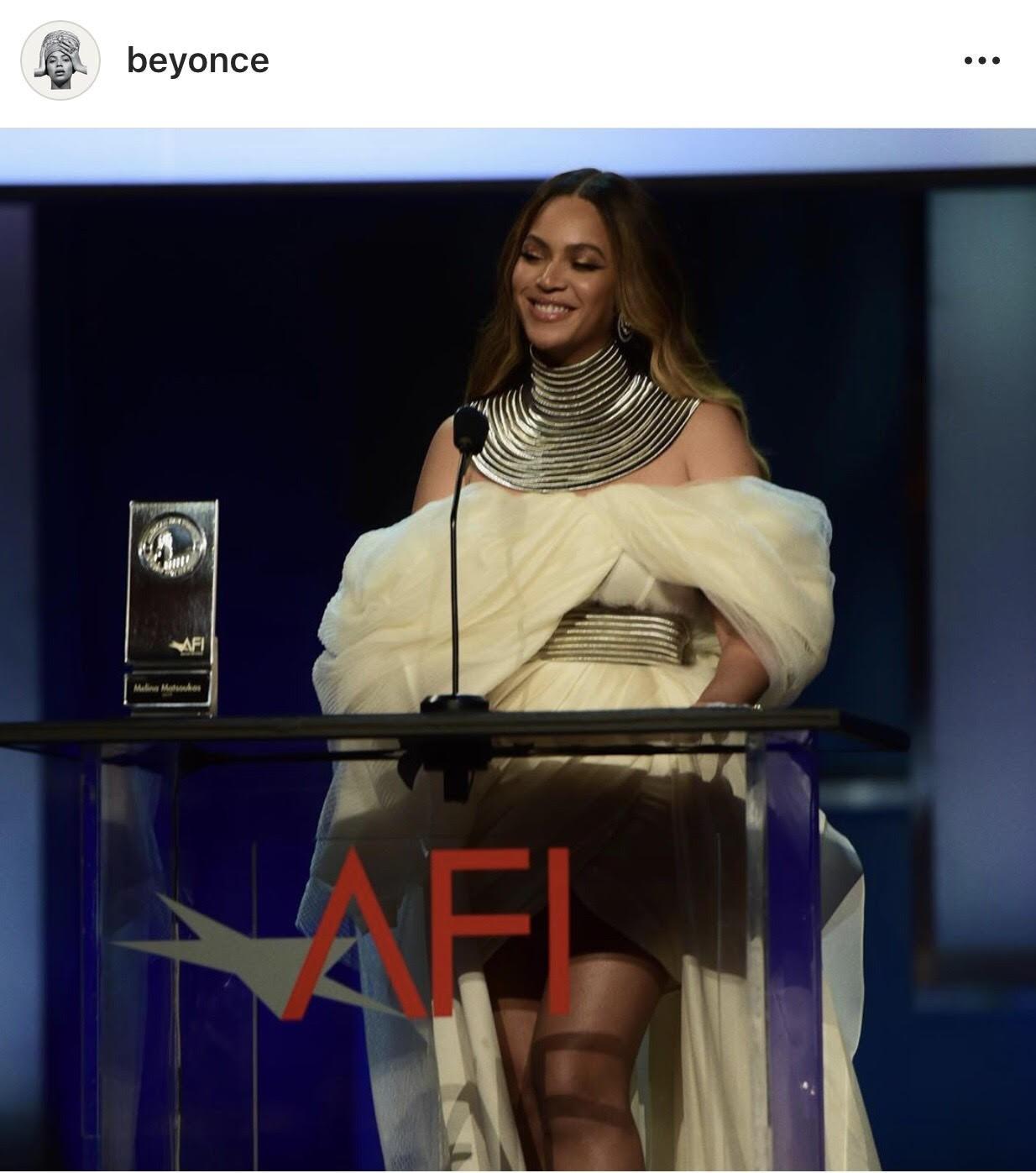 Oách chưa từng thấy: Beyonce diện đồ của NTK Phương My, và đó là thiết kế độc bản của riêng diva tầm cỡ - Ảnh 1.